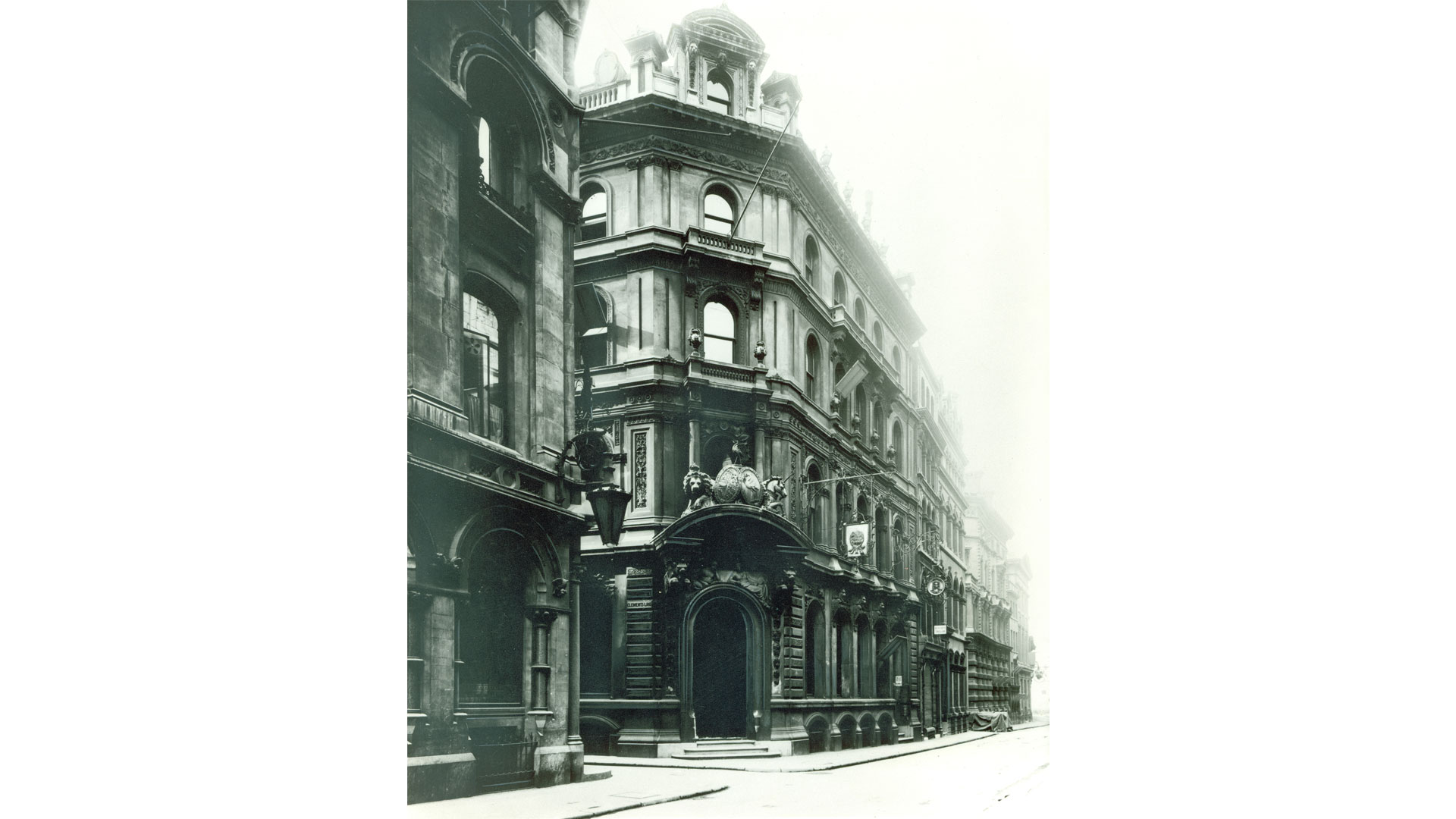 The main entrance to 27 Lombard St., the location of the bank's London Branch from 1870-1887, circa 1900.